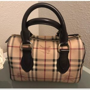 🐎 Authentic Burberry Haycheck Chester Bag 🐎